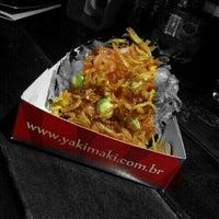 Photo taken at Yakimaki Temakeria by Cru e Cozido b. on 6/12/2012