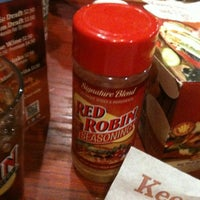 Photo taken at Red Robin Gourmet Burgers by Jennifer K. on 3/8/2012