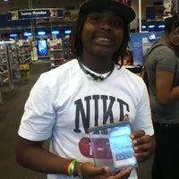 Photo taken at Best Buy by Lawanda S. on 4/29/2012