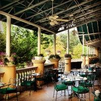 Photo taken at Omni Shoreham Hotel by Onno F. on 8/4/2012