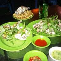 Photo taken at Làng Chài Dũng Chuyên by Trung L. on 3/9/2012