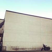 Foto tomada en Pomona Valley Harley-Davidson por Yansen S. el 6/23/2012