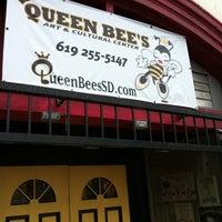 3/26/2012 tarihinde Nasara G.ziyaretçi tarafından Queen Bee's Art & Cultural Center'de çekilen fotoğraf