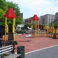 Das Foto wurde bei Devoe Park von NYC Parks am 3/19/2012 aufgenommen