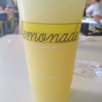 Photo taken at Lemonade Venice by Kimya K. on 6/5/2012