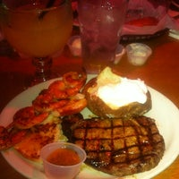 Photo taken at Texas Roadhouse by Wendy D. on 6/12/2012