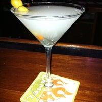 Foto tomada en Driftwood Bar por Andy F. el 2/19/2012