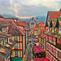 Photo taken at Colmar Tropicale by Nozaidi A. on 4/14/2012