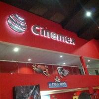 Foto tomada en Cinemex por Alan A. el 6/17/2012