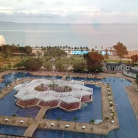 Photo taken at Ambassador City Jomtien Hotel by แอน จ. on 7/9/2012