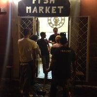 Foto scattata a Fish Market da Wiki N. il 8/17/2012