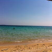 Photo taken at Kοχύλι Beach Bar by Sakis K. on 7/27/2012