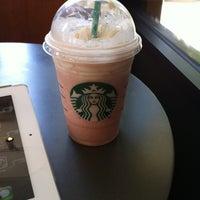 Das Foto wurde bei Starbucks von Luis A. am 6/16/2012 aufgenommen