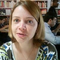 Photo taken at Café da Travessa by Tiago F. on 2/13/2012