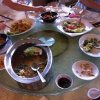 Photo taken at WANG CHAO Chinese Cuisine (旺朝) by Zx Y. on 3/17/2012