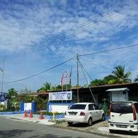 Photo taken at Balai Polis Kinarut by Ean B. on 6/6/2012