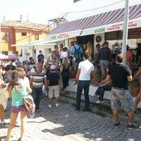 9/8/2012 tarihinde Goksel A.ziyaretçi tarafından Çiçek Pastanesi'de çekilen fotoğraf