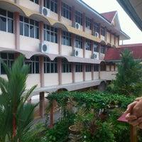 Photo taken at Sekolah Kebangsaan Kompleks Seberang Takir by Engku A. on 6/7/2012