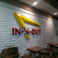 Photo taken at In-N-Out Burger by Joaquin R. on 2/28/2012