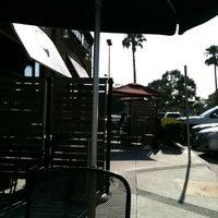 Снимок сделан в Starbucks пользователем Win K. 5/22/2012