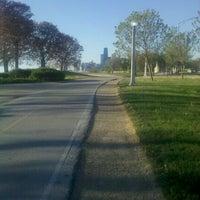 รูปภาพถ่ายที่ Chicago Lakefront Trail โดย Dan C. เมื่อ 4/23/2012