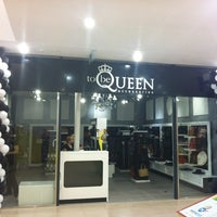 Photo taken at To Be Queen by Jully D. on 7/13/2012