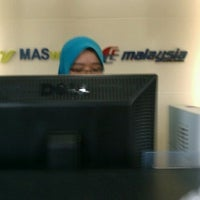 Photo taken at MAS Ticketing Office by Ahmad Razi A. on 5/10/2012