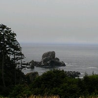 Photo taken at Cannon Beach Ecola Creek Lodge by Emely M. on 8/17/2012