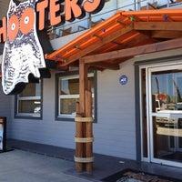 Foto tomada en Hooters por Efren Martin R. el 5/1/2012