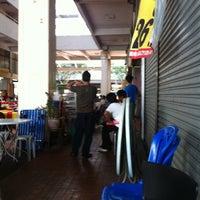 Photo taken at Restoran & Katering Kaisah by mR@g on 4/26/2012