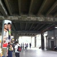 Foto tirada no(a) LRT 2 (Legarda Station) por Mervin M. em 3/22/2012