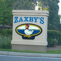 Photo taken at Zaxby's Chicken Fingers & Buffalo Wings by Laura W. on 4/13/2012