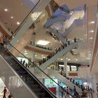Photo taken at Boulevard Shopping by Fernando É. on 9/8/2012