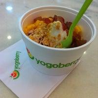 Photo taken at Yogoberry Original by Ralph F. on 5/7/2012