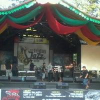 Das Foto wurde bei Pasar Seni Ancol von Tyas Y. am 6/29/2012 aufgenommen