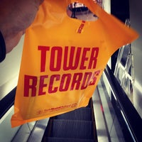 Photo taken at TOWER RECORDS by toku G. on 5/7/2012