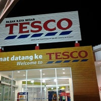 Photo taken at Tesco by Oh A. on 2/10/2012