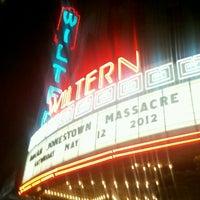 5/13/2012 tarihinde Jennifer M.ziyaretçi tarafından The Wiltern'de çekilen fotoğraf