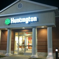 Photo taken at Huntington Bank by J.R. A. on 4/11/2012