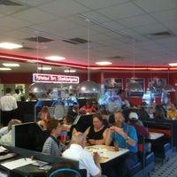 Photo taken at Steak 'n Shake by gerard d. on 5/25/2012