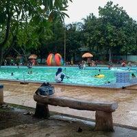 Photo taken at Tirta Wiguna Swimming Pool by Priatna N. on 4/22/2012