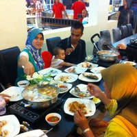 Photo taken at Flaming Steamboat by Pok C. on 4/12/2012