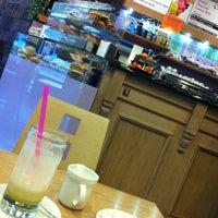 Foto scattata a Caffè al Corso da giuliatravaglia il 3/7/2012