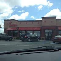 Photo taken at Chick-fil-A by Santos W. V. on 6/16/2012
