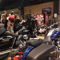 Foto tirada no(a) Autostar (Harley Davidson) por Giovanni G. em 3/3/2012