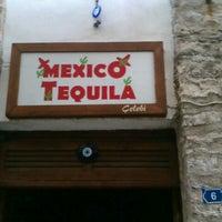 Das Foto wurde bei Mexico Tequila von fulyacigdemcolak am 7/22/2012 aufgenommen