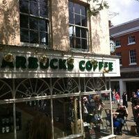 Foto tomada en Starbucks por Aiden K. el 5/30/2012