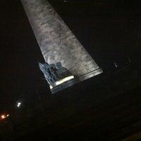 Foto tomada en Glorieta Monumento a Los Niños Héroes por Vivianne el 3/18/2012
