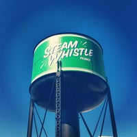 Photo prise au Steam Whistle Brewing par Domenic S. le8/30/2012