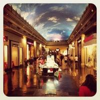 Das Foto wurde bei The Forum Shops at Caesars von Katy F. am 7/8/2012 aufgenommen